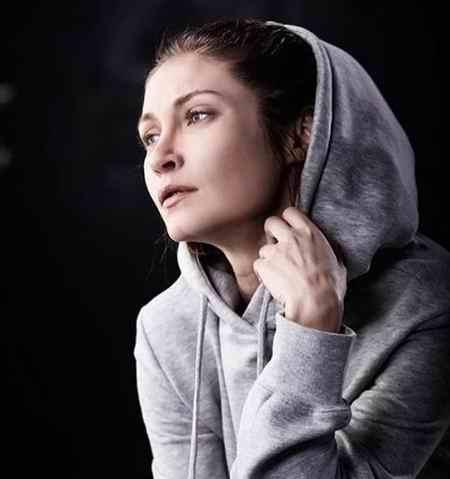بیوگرافی بازیگر نقش ایدیل در سریال عشق سیاه و سفید (4)