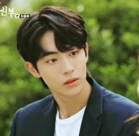 بیوگرافی بازیگر نقش بک آه در سریال عاشقان ماه (5)