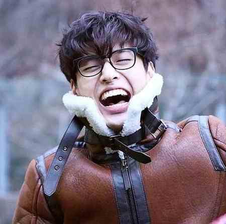 بیوگرافی بازیگر نقش وانگ ووک در سریال عاشقان ماه (4)