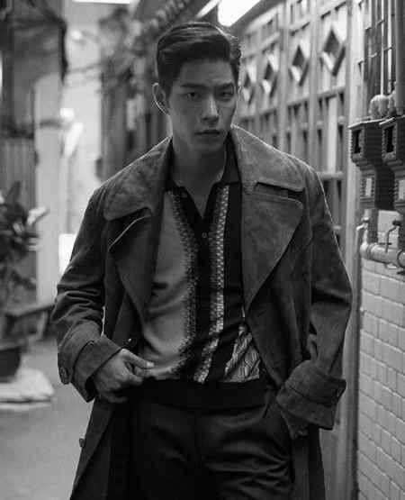 بیوگرافی بازیگر نقش وانگ یو شاهزاده سوم در عاشقان ماه (1)