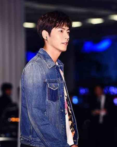 بیوگرافی بازیگر نقش وانگ یو شاهزاده سوم در عاشقان ماه (6)