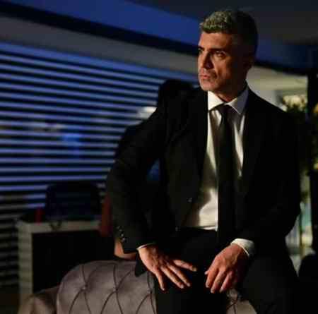 بازیگر نقش فاروق در سریال عروس استانبول (5)