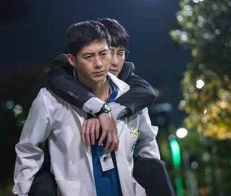 بیوگرافی بازیگر نقش یون ته وون در افسانه اوک نیو (4)