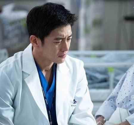 بیوگرافی بازیگر نقش یون ته وون در افسانه اوک نیو (6)