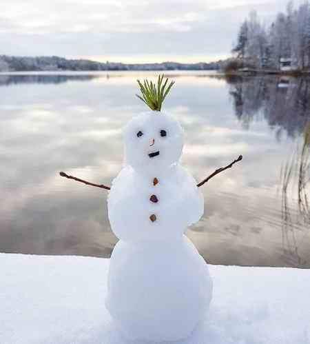 متنی ادبی درباره یک صبح سرد و برفی زمستانی بنویسید (7)