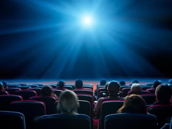سینماهای نیمه تعطیل و ادامه افت فروش فیلمها