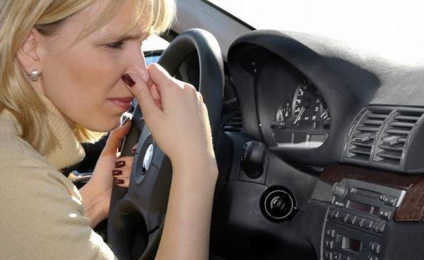 بوی بد ماشین