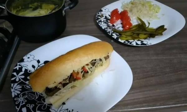 ساندویچ رست بیف گوشت