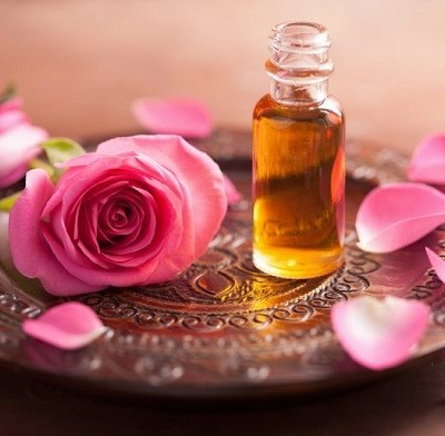 فواید روغن گل محمدی