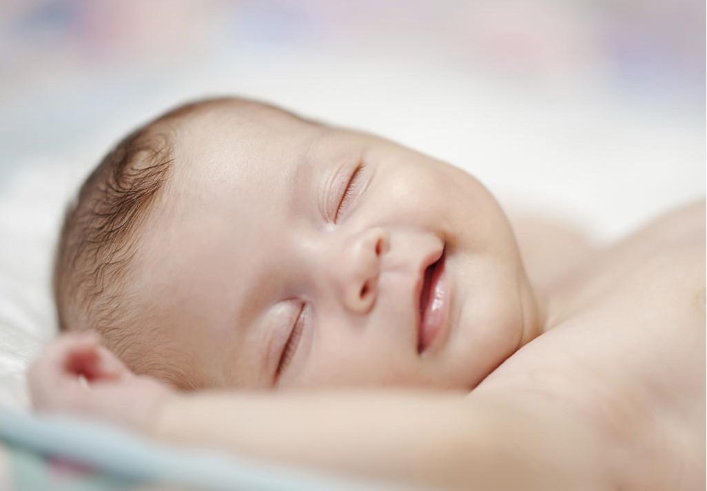 علت بی خوابی نوزادان