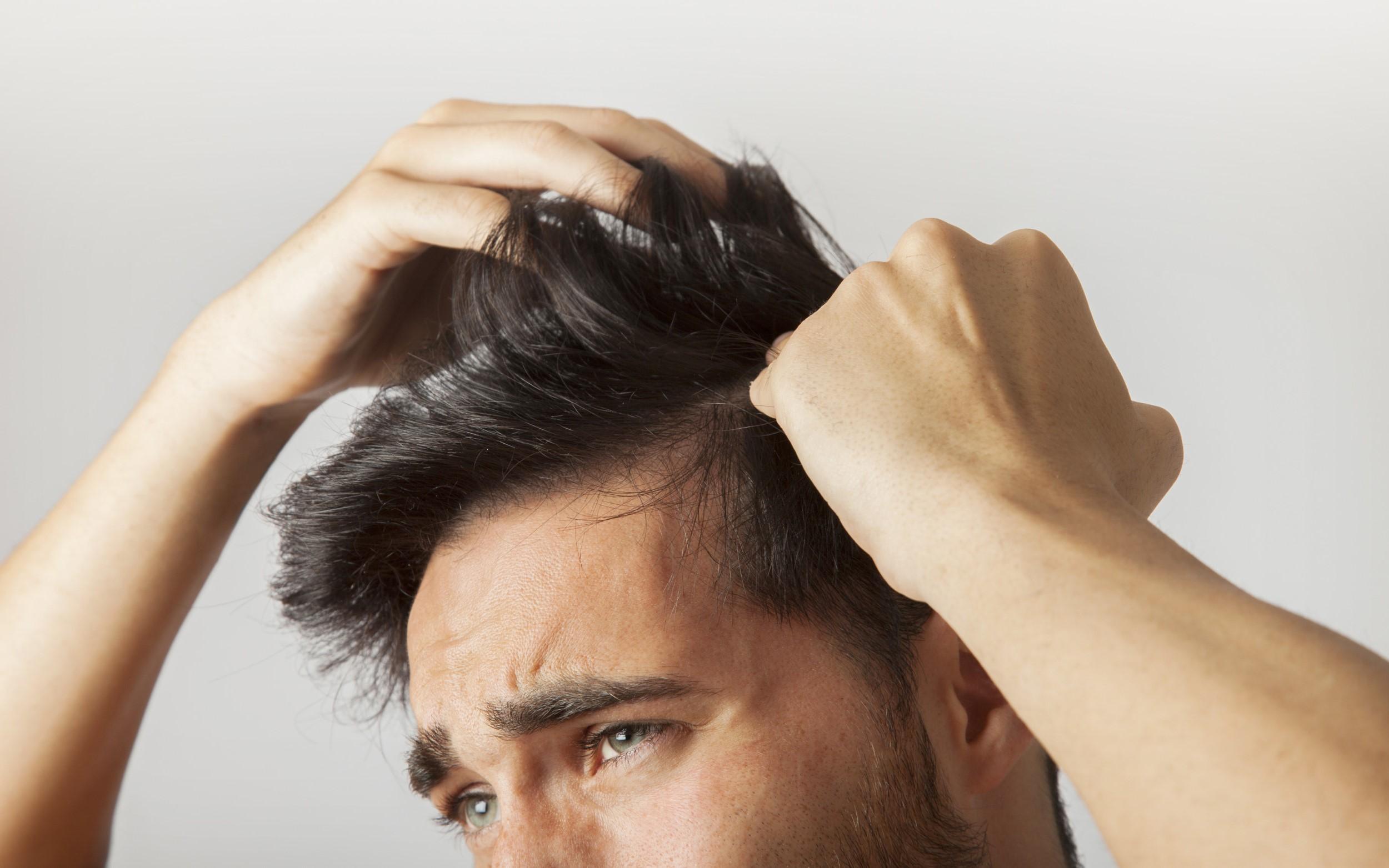 درمان های خانگی ساده برای خشکی پوست سر