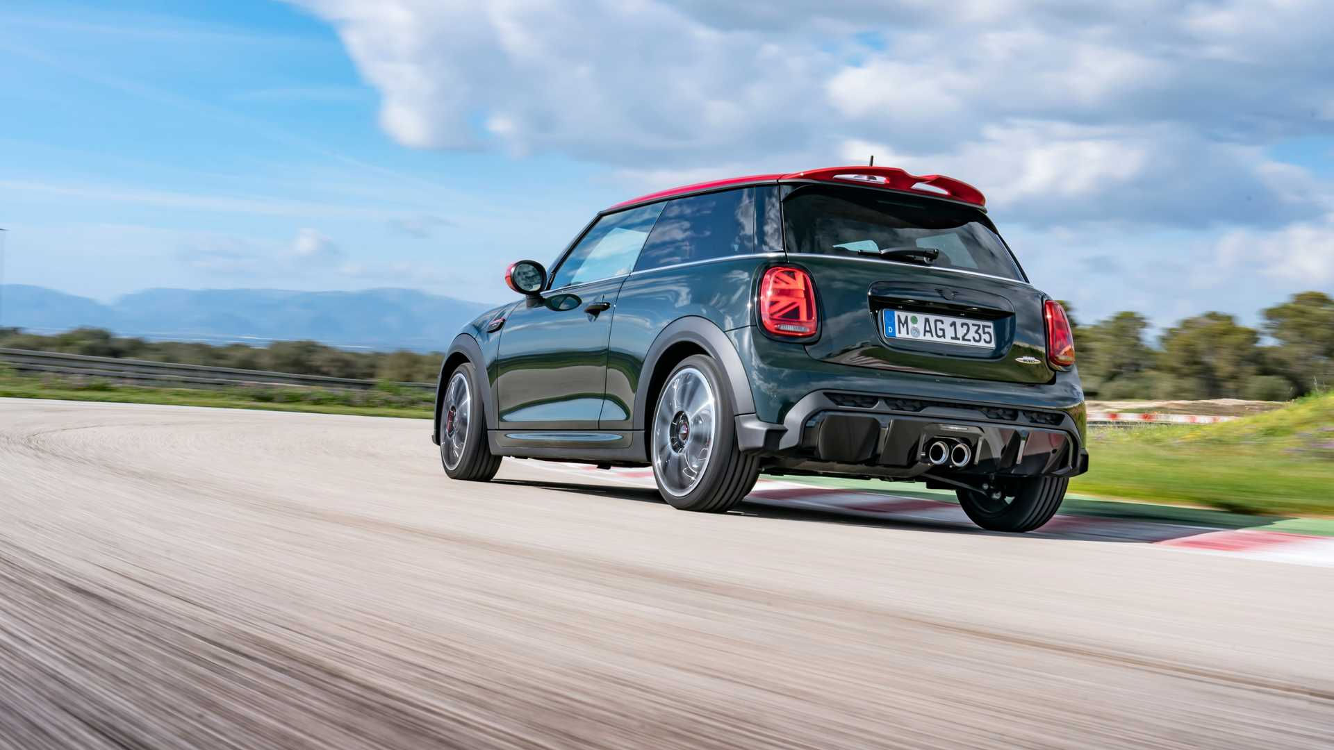 Facelift Mini Cooper 2022 is a beautiful and different car