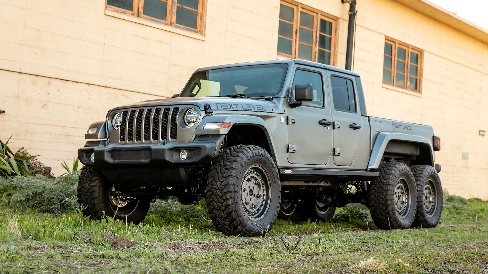 Jeep gladiator 6x6 equipped with Chevrolet Corvette was introduced