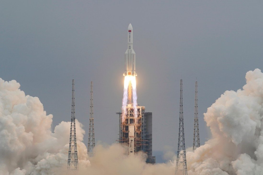 Chinese space rocket wreckage crashes in Indian Ocean
