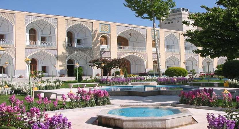 رزرو هتل شیراز و اصفهان شهرهای مهم گردشگری کشور