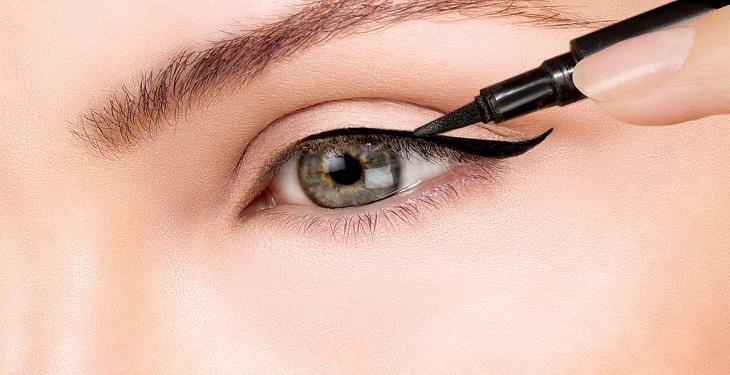 ۱۰+۱ مورد از مهم ترین ابزار آرایش چشم و ابرو • فارسی ها