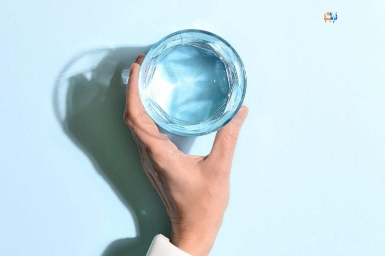 نوشیدن بیش از حد آب
